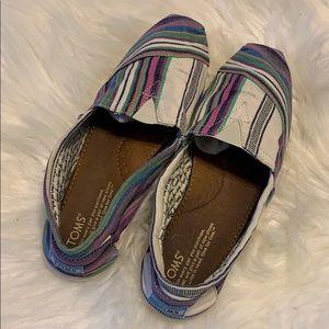 TOMS plus free pair